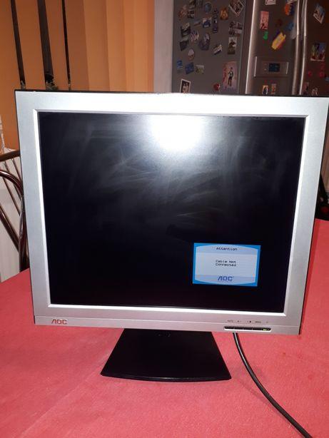 Vând monitor LCD