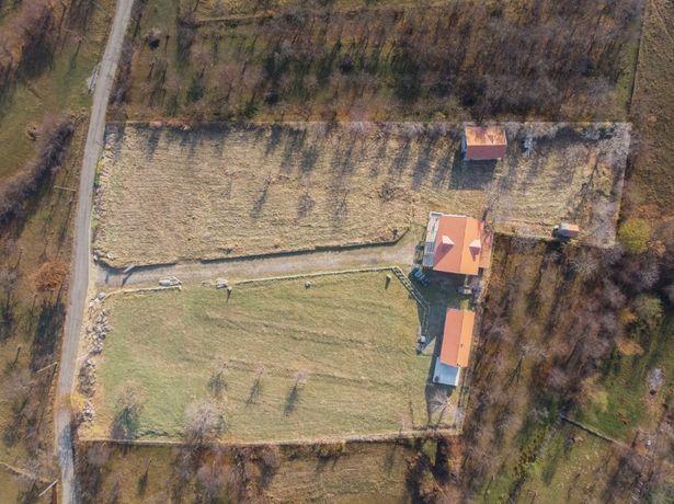 Teren in Sibiel + 3 cabane lemn, 7800 mp