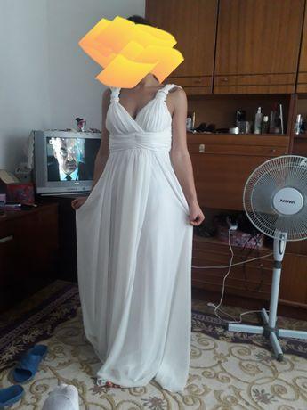 Официална или булченска рокля
