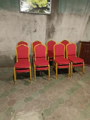 Продам банкетные стулья