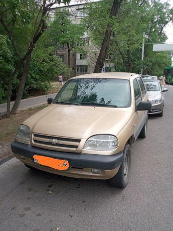 Chevrolet Niva.   2005 года