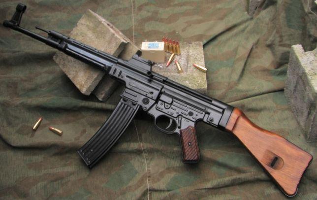 Pusca Cu LASER Si LANTERNA!! (De Putere Mare) - Model: AK47 Carabina 2