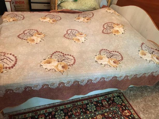 Кровать, с 2 тумбочками и комод за 35 000 тнг