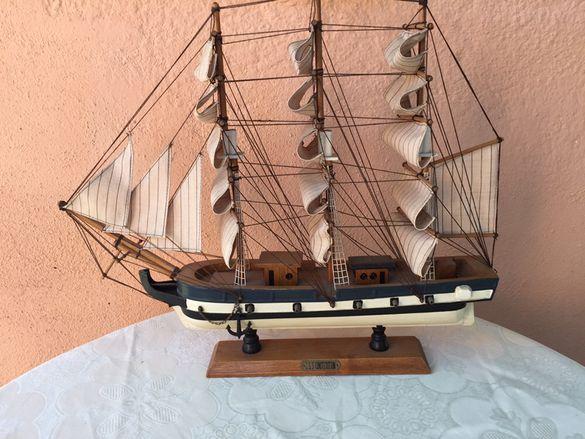 стар английски макетен кораб