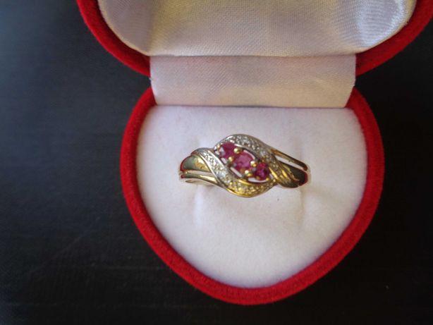 Inel aur cu rubine si diamante