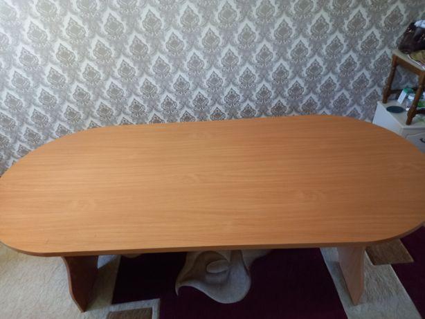 Продам стол для холла