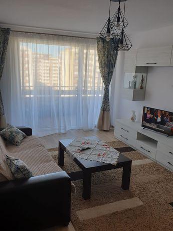 Inchiriez / cazare Brasov, apartament cu 2 camere, decomandat, Coresi