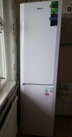 """Холодильник""""Beko"""""""