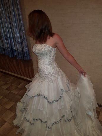 Сдам или продам свадебное платье в национальном стиле