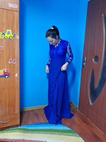 Vând rochie lunga
