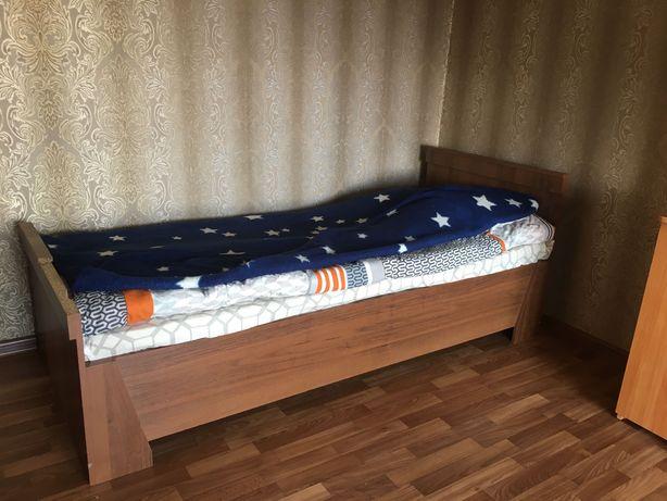Мебель для детской. Кровать, стол, трюмо  и кресло