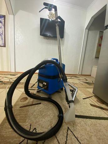 Профессиональный моющий пылесос для химчистки мягкой мебели, ковров