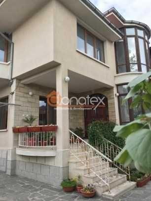 Продава се:  Къща с РЗП 360 кв.м, двор 390 кв.м, в гр.Сопот