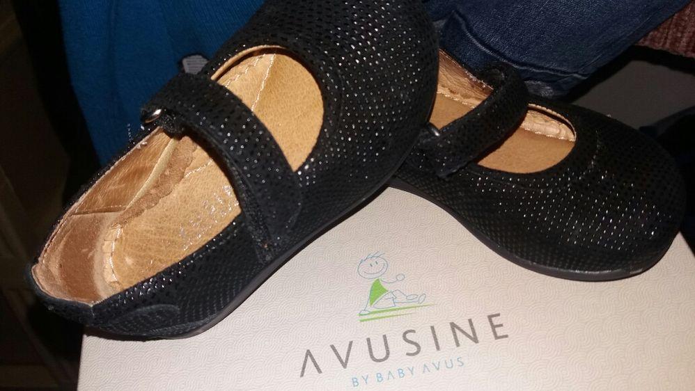 Vând pantofi fetiță Avusine