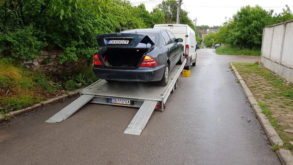 Пътна помощ за бусове,джипове,коли,лека механизация.