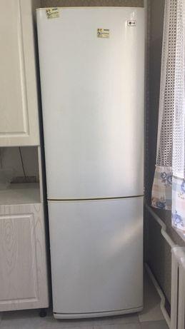 Продается холодильник LG в отличном состоянии