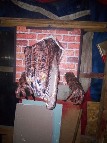 Cap de dinozaur ornament perete