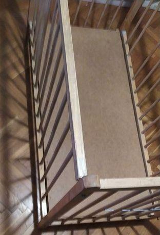 Кроватка детская, деревянная