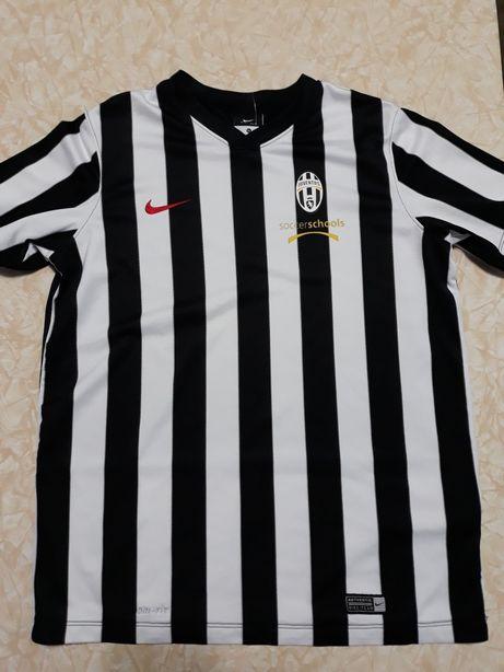 Vând tricou Juventus și short Adidas