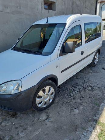 Opel combo 5 locuri 1.6 benzina+gpl