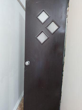 Двери для санитарн-бытовых помещенй(ванна, туалет) 2 шт.Без коробки