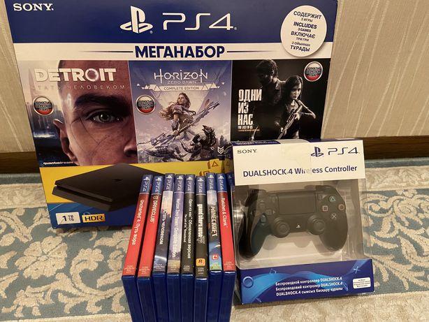 Sony Play station 4, 2 джёстик, 8 игры в подарок