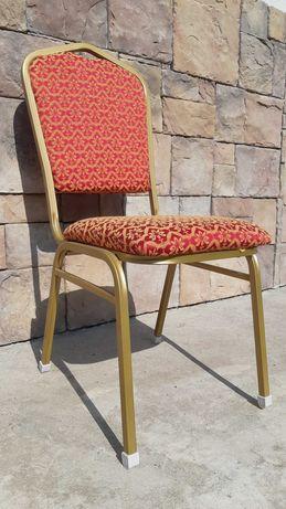 """Универсальные стулья """"Вена"""" с чехлами"""