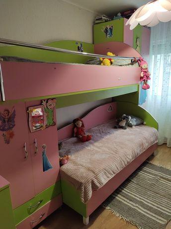 Mobila camera 2 paturi stare buna