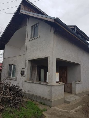 Casa si teren Fierbinti Targ