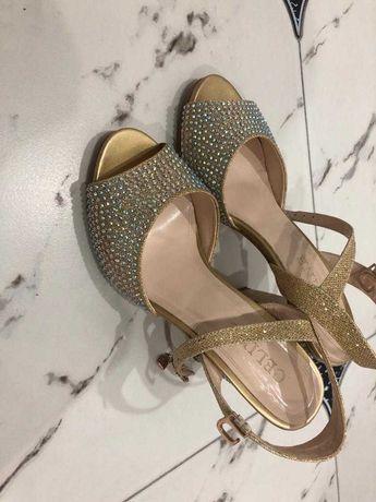 туфли босоножки женская
