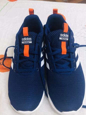 Adidași marca adidas