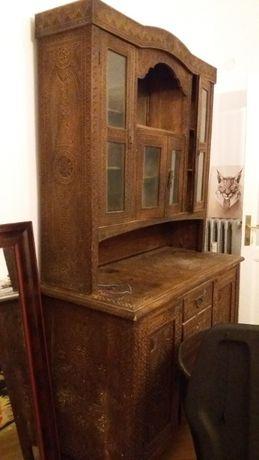 Mobilier de epoca - Bufet in stil Neobrancovenesc din lemn sculptat