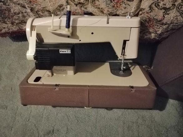Шевна та машина е чисто нова. От 90те години. Напълно оборудвана. Обад