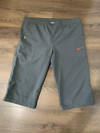 Pantaloni trei sfert Nike Total 90 marimea M Americana deci L Europa