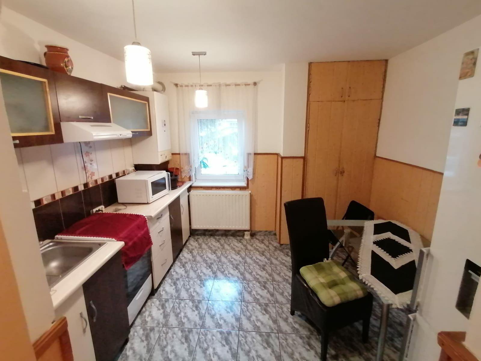 Apartament De Închiriat