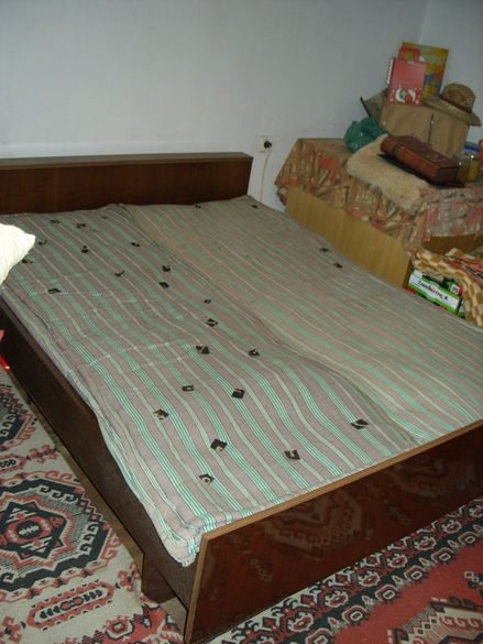 Спалня с пружини