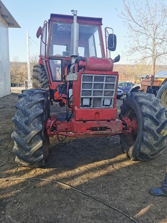 Tractor case internațional 1246 sau dezmembrez