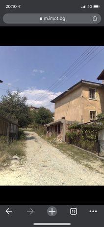 Къща в с.Средногорци
