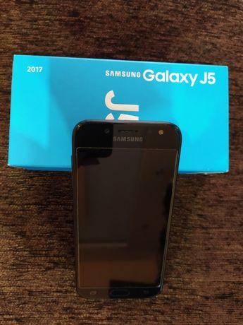 Телефон Самсунг Галакси J5, повреден