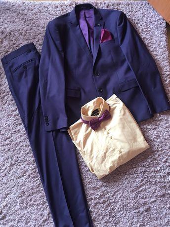 Мъжки кюстюм - слим фит