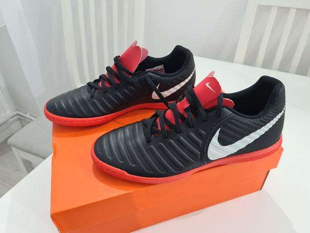 Ghete Nike Fotbal Sala