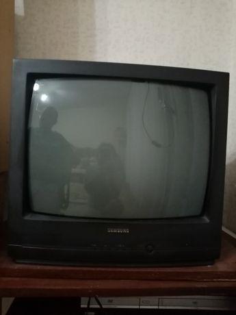 Телевизор. Самсунг. В хорошем состоянии
