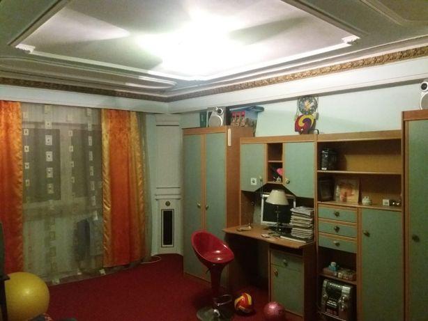 Vând apartament 3 camere, Slatina, cartier Steaua