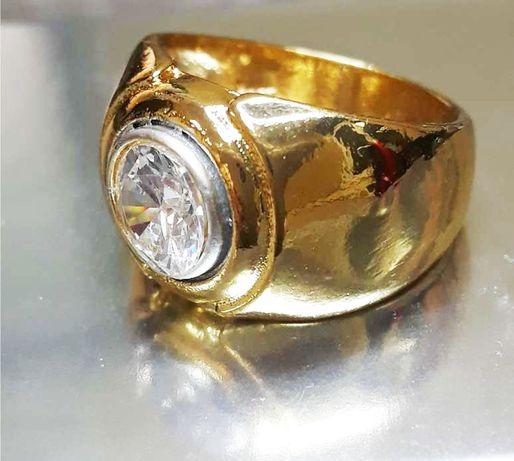 Златен Пръстен 18К жълто злато с камък Бял Топаз и печат