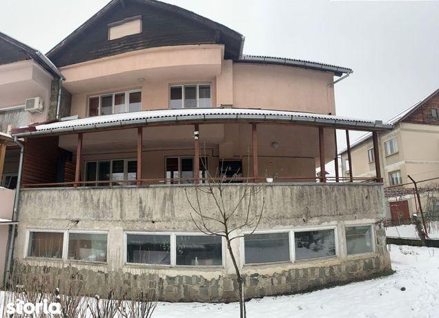 Apartament in zona TBC cu 4 dormitoare si garaj si curte comuna
