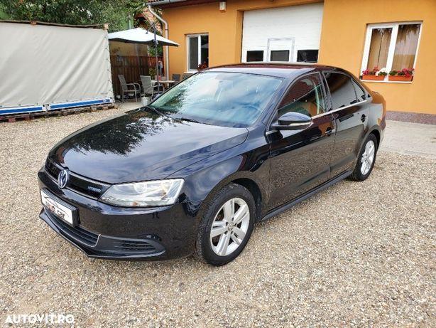 Volkswagen Jetta Hybrid 1.4TSI, An 2014, plata in rate fixe!