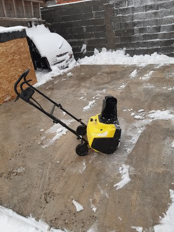 Freza de zăpadă electrică