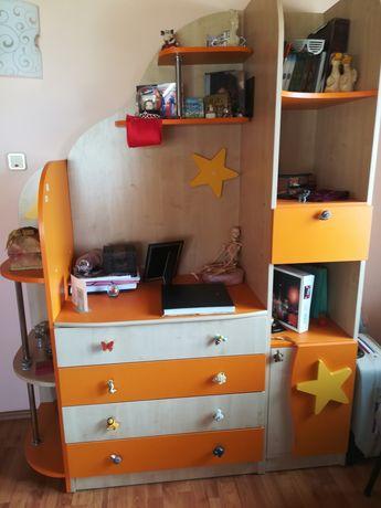Mobilă pentru cameră copil.