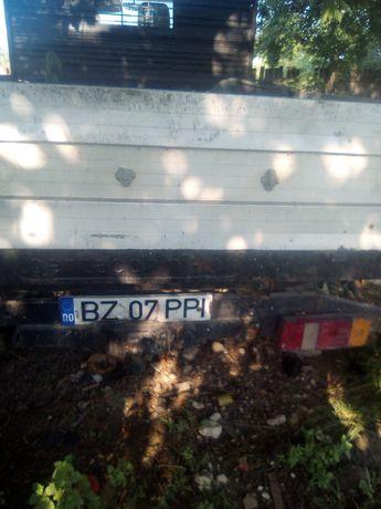 Vand Camionetă Mercedes benz!Deralii in privat