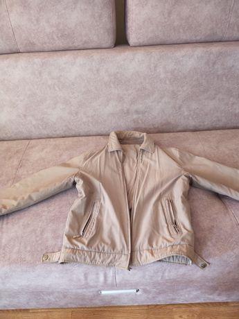 Куртка-ветровка 5 тыс почти новая в хорошем состоянии 48-50 размер